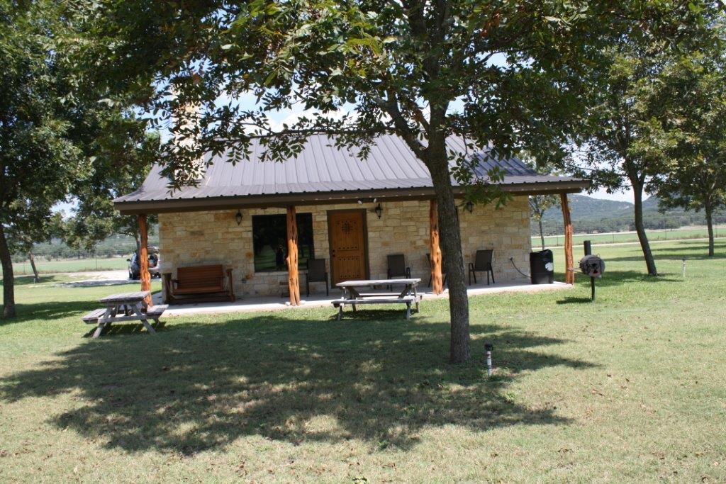 Frio pecan farm frio river lodging pecans for The pecan house